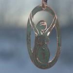 Halsband i koppar, Free woman